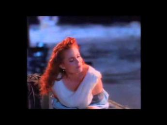 Belinda Carlisle - Leave A Light On (1989)