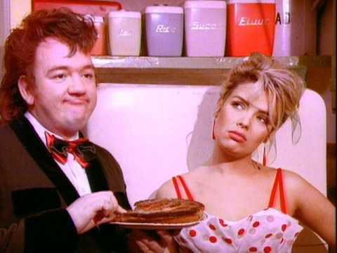 Mel Smith & Kim Wilde - Rockin' Around The Christmas Tree (1987)