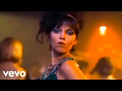 Pat Benatar - Love Is A Battlefield (1983)