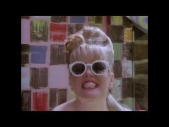 The B-52's - Love Shack (1989)